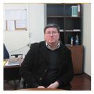 Dr. Marco León L., del Programa Magíster en Historia, quien comentó inicialmente la obra el día del lanzamiento.